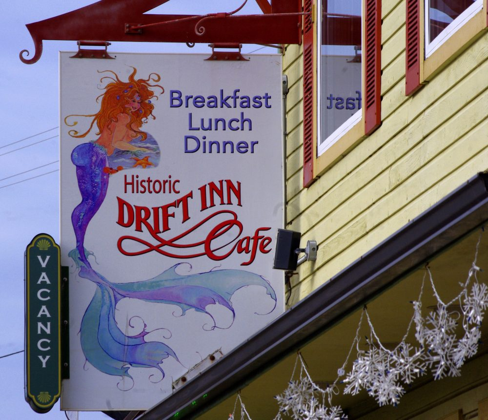 Foodies Adventure in Yachats at the Drift Inn